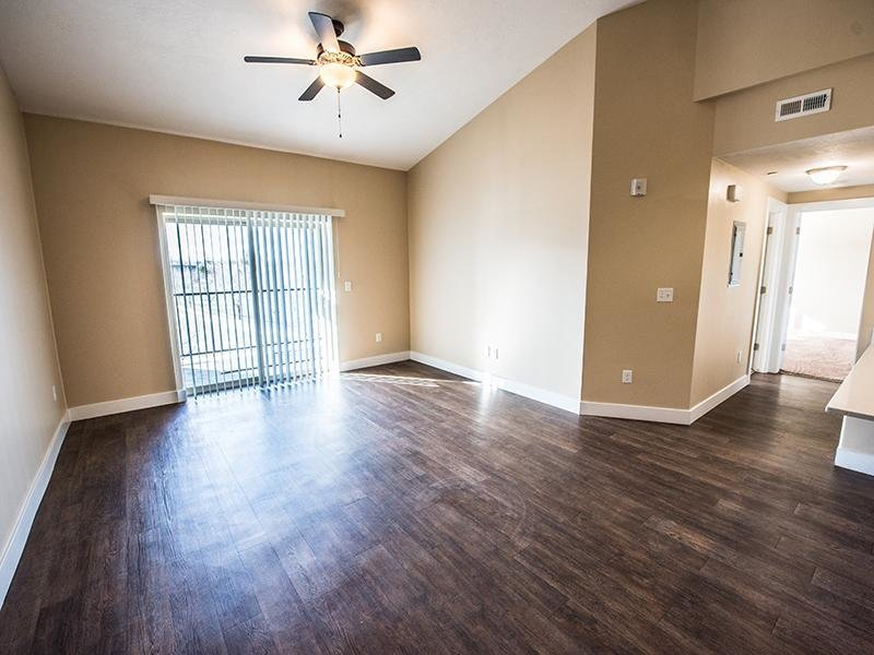 The Cove At Overlake Apartment Features